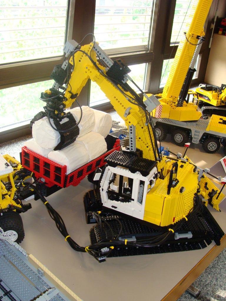 große Fernsteuerung aus zwei PF-Fernsteuerungen Lego